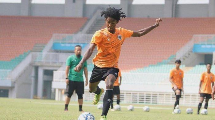 Madura United Rekrut Pemain Muda Ronaldo Kwateh Eks Persib Bandung, Ini Penjelasan Rahmad Darmawan
