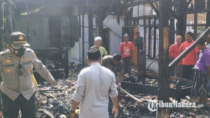 Uang Rp 30 Juta dan Emas 40 Gram Hangus, Saat Rumah Pekerja Kayu di Pamekasan Kebakaran
