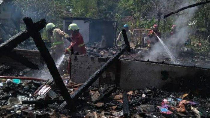 Empat Rumah Warga Bojonegoro Terbakar, Api Diduga dari Korsleting Listrik, Kerugian Capai Rp335 Juta