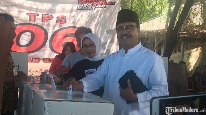 Saifullah Yusuf Nyoblos di TPSGayungan Surabaya, Imbau Warga Tetap JagaKerukunan usai Pemilu 2019