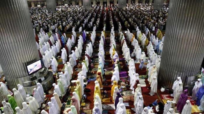 Warga Boleh Salat Idul Fitri Berjemaah di Masjid hingga Tanah Lapang, Asal dengan Syarat Berikut