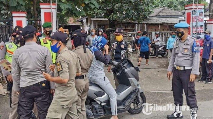 Operasi Yustisi di Kawasan Pasar Hewan Dimoro Kota Blitar, 42 Pelanggar Protokol Kesehatan Ditindak