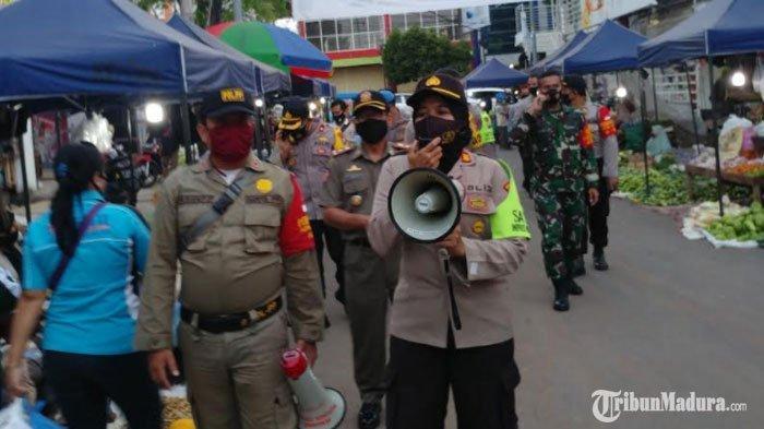 Pengunjung Kafe, Hotel hingga Bandara di Jember Dilarang Masuk Jika Tak Pakai Masker