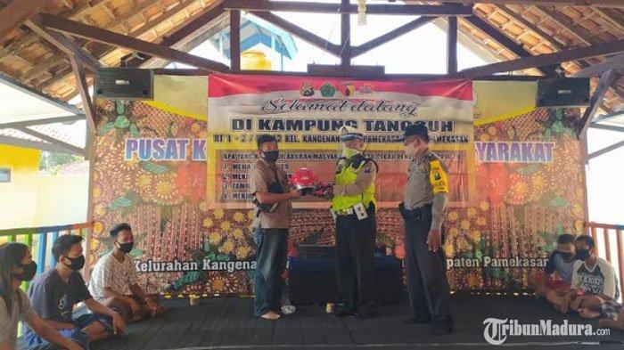 Satlantas Polres Pamekasan Sosialisasi Pencegahan Covid-19 dan Kampung Tangguh ke Karang Taruna