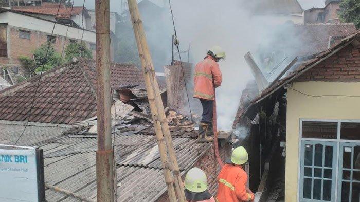 Rumah di Lawang Malang Hangus Terbakar, Diduga Api DisebabkanKorsleting Listrik