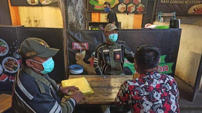 Langgar Protokol Kesehatan Covid-19, Kerumunan Pengunjung Kafe di Kota Kediri Dibubarkan Satpol PP