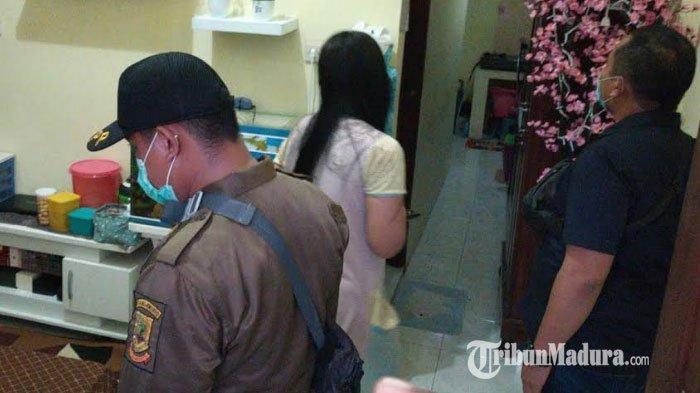 4 Pasangan Bukan Suami Istri Kepergok di Kamar Kos, Satpol PP Mojokerto Temukan Alat Isap Sabu-sabu