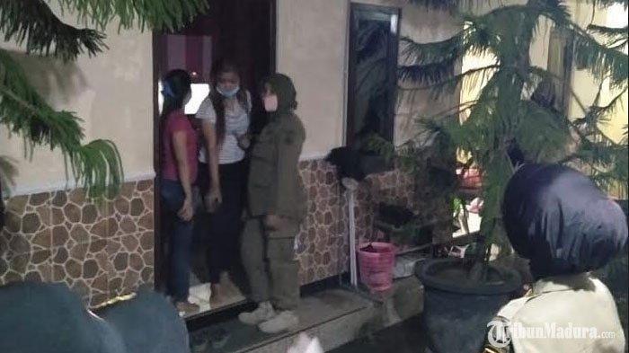Tempat Kos di Kota Blitar Dirazia Satpol PP, 7 Pasangan Bukan Suami Istri Diamankan Petugas