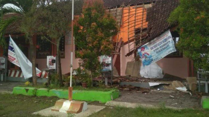 Bangunan Sekolah SDN Karangsono 4 Jember Ambruk, Terakhir Kali Direhab Sejak 20 Tahun Lalu