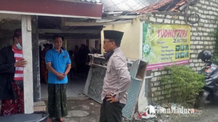Sebuah rumah warga di Desa Panempan, Kabupaten Pamekasan, Madura, mengalami kebakaran pada Selasa (2/3/2021) pukul 01.30 WIB.