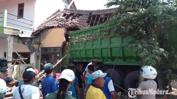 Dikira Gempa, Dentuman Keras Misterius di Malang Buat Warga Terkejut,Sebuah Rumah dan Warung Hancur