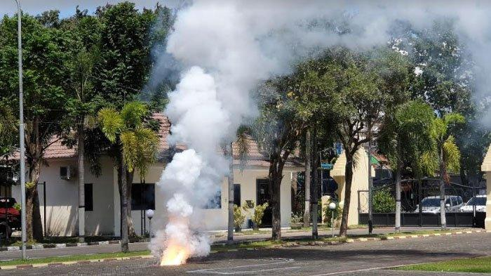 Duar! Ledakan Keras di Mako Polres Mojokerto, Lidah Api Diselimuti Asap, Ternyata Ini Sumbernya
