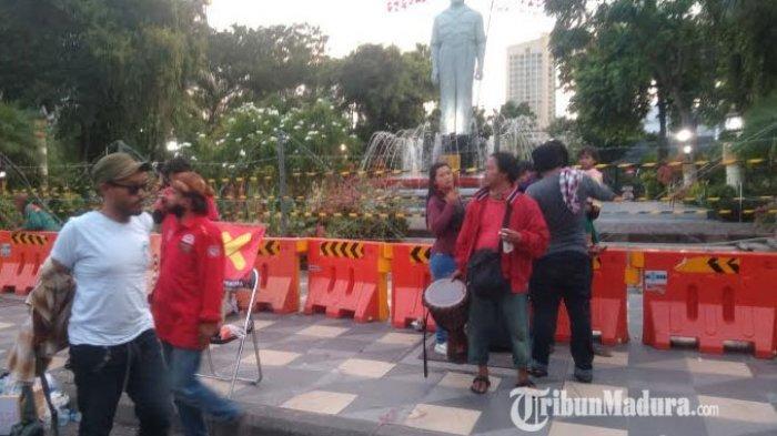 Diisi dengan Sidang Rakyat Mosi Tidak Percaya, Demo Getol Jatim Tolak Omnibus Law Berakhir Damai