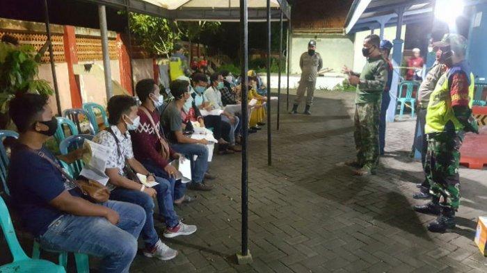 29 TKI Sampang Tiba dari Malaysia, Langsung Diperiksa Suhu Tubuh di Posko Covid-19 Jembatan Timbang