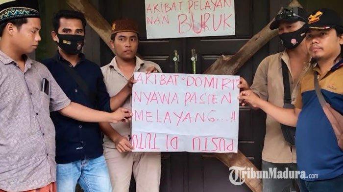 Sejumlah wega Dusun Glisgis, Desa Gunung Maddah, Kabupaten Sampang, Madura menyegel Puskesmas Pembantu setempat, kemarin (27/1/2021).
