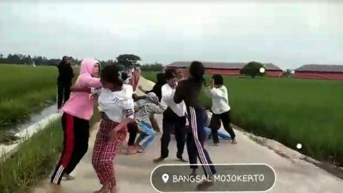 Video Viral Belasan Siswi SMA di Bangsal Mojokerto Tawuran Antar Geng, Polisi Lakukan Penyelidikan