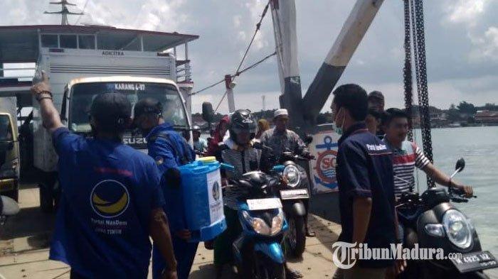 Partai Nasdem Lakukan Penyemprotan Disinfektan di Kecamatan Talango Sumenep untuk Cegah Covid-19