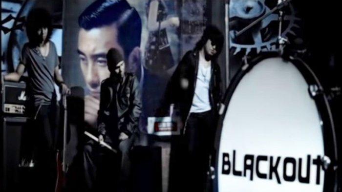 Chord Gitar Lagu Selalu Ada - Blackout, Kunci Mudah Dimainkan: Tuhan Engkau Tahu Aku Mencintainya