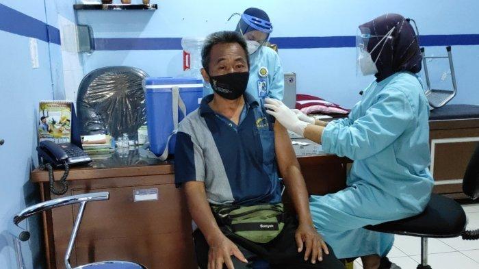 Sejumlah Pekerja Hotel di Kota Blitar Sudah Disuntik Vaksin Covid-19 Dosis Kedua, Ini Harapan Mereka