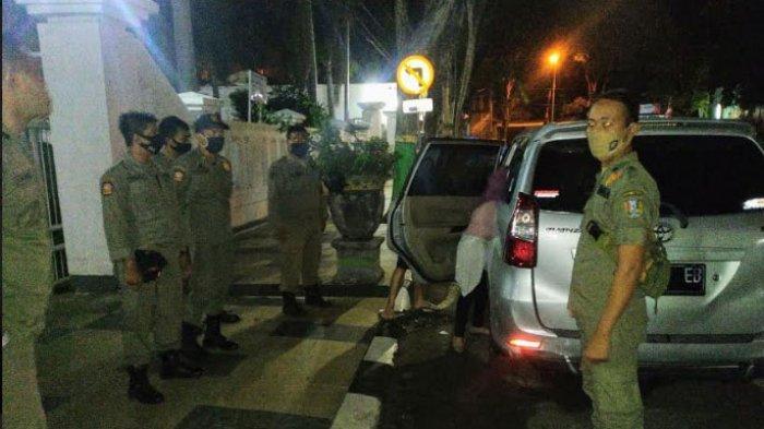 Mobil Goyang di Depan Rumah Dinas Wakil Bupati Tuban, Kondom Dibuang saat Petugas Satpol PP Datang
