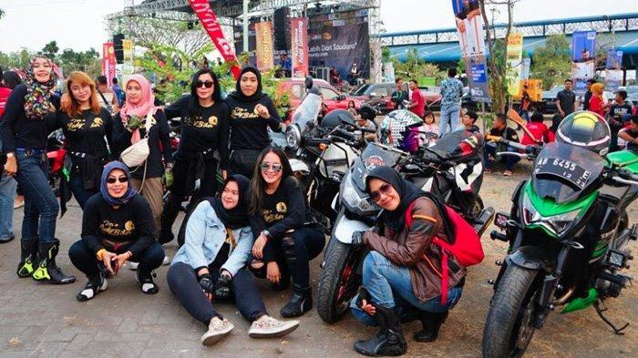 Sexy Motolady Community, Komunitas Wanita Penyuka Motor Gede yang Selalu Tampil Elegan dan Modis