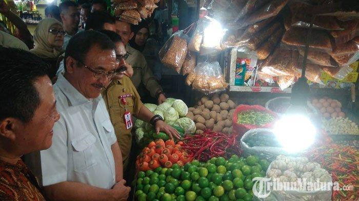 Harga Telur Ayam di Pasar Wonokromo Surabaya Naik Melebihi HET MenjelangNatal dan Tahun Baru