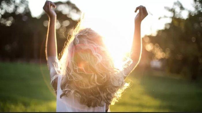 AYO BERJEMUR! Ini Waktu Paling Baik Berjemur di Bawah Sinar Matahari, Bentengi Diri dari Covid-19