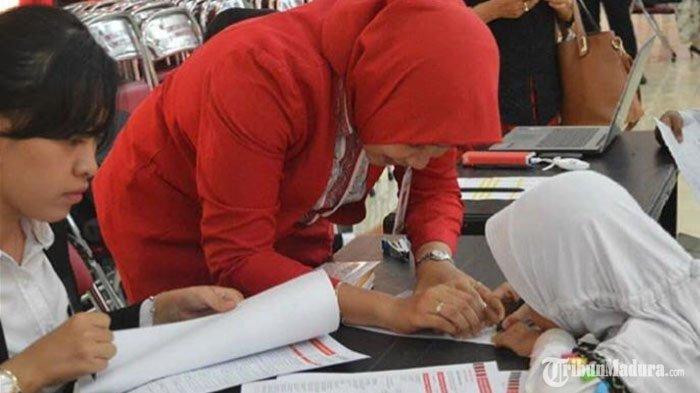 Sekolah di Sumenep Diminta Beri Fasilitas Ponsel untuk Siswa Kurang Mampu, Pakai Sumber Dana ini