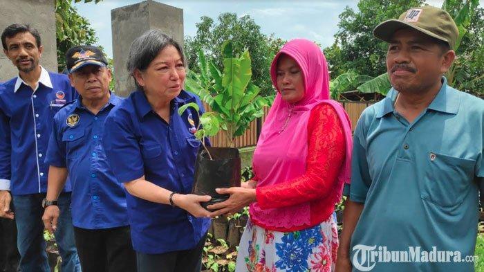 Partai Nardem Bagi 20 Ribu Bibit Sayuran ke Petani di Tuban, Gelorakan Semangat Pertanian