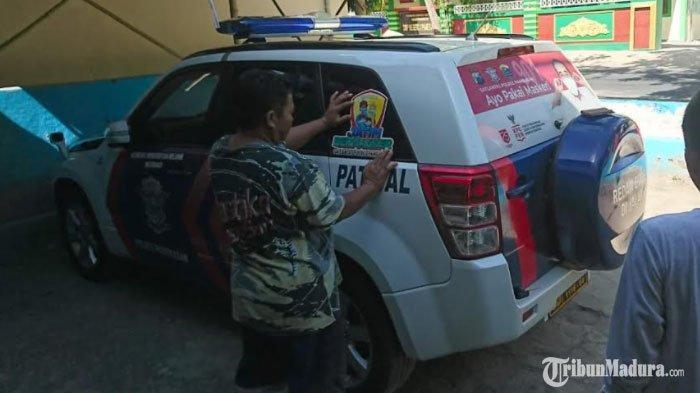 Mobil Patroli Satlantas Polres Pamekasan Ditempeli StikerOne Way, Ternyata Punya Fungsi ini