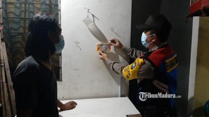 Rumahnya Ditempeli Stiker Khusus,Warga Surabaya yang Habis Mudik ke Luar Kota Diminta Swab Test