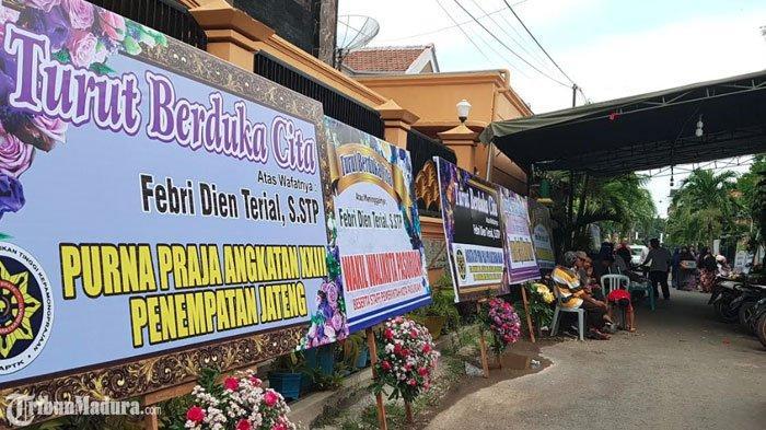 Rumah Duka AjudanBupati Demak diPasuruan, Banyak Kerabat dan Alumni Praja IPDN Berdatangan