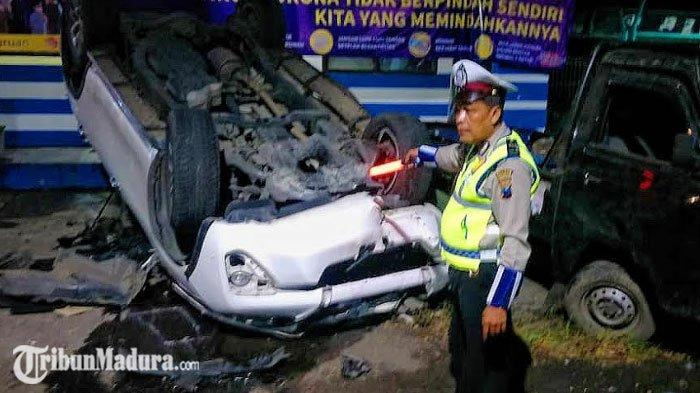 Sopir Diduga Mengantuk, Mobil Toyota Fortuner Hantam Kendaraan yang Parkir, ada Mobil Dinas Polisi