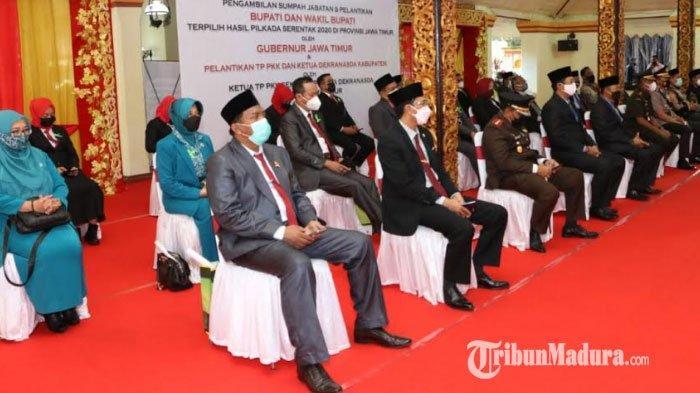 Forkopimda dan Jajaran Pemkab Sumenep Nobar Pelantikan Achmad Fauzi-Dewi Khalifah Secara Virtual