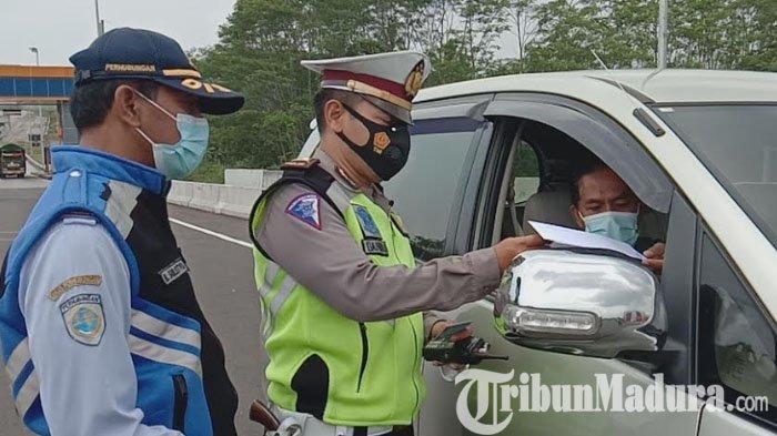 Hari Pertama Larangan Mudik Lebaran 2021, 16 Kendaraan Diputar Balik di Exit Tol Madyopuro