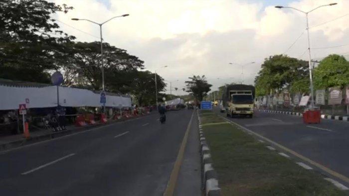 Suasana pos penyekatan di Jembatan Suramadu kini telah dibongkar.