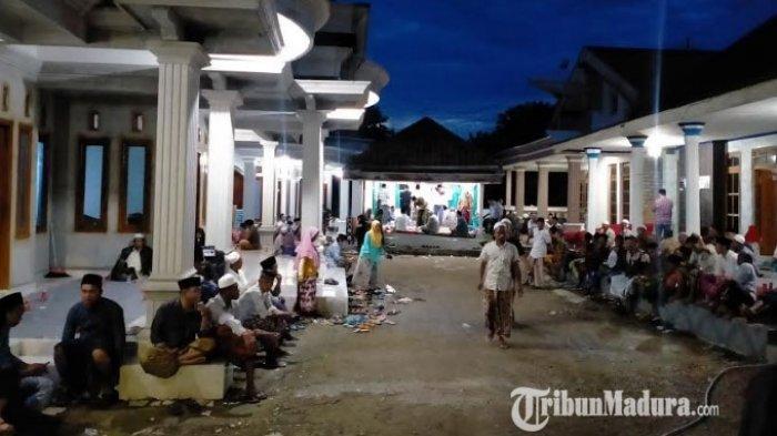 Jenazah Wakil Bupati Pamekasan Rajae Akan Dikebumikan di Pemakaman Umum Bendungan Desa Bujur Barat