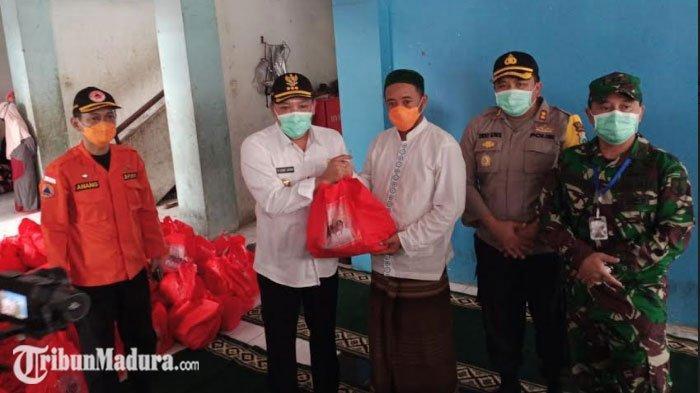 Bupati Sampang Melakukan Kunjungan ke 349 Pengikut Tajul Muluk yang Mengungsi di Sidoarjo