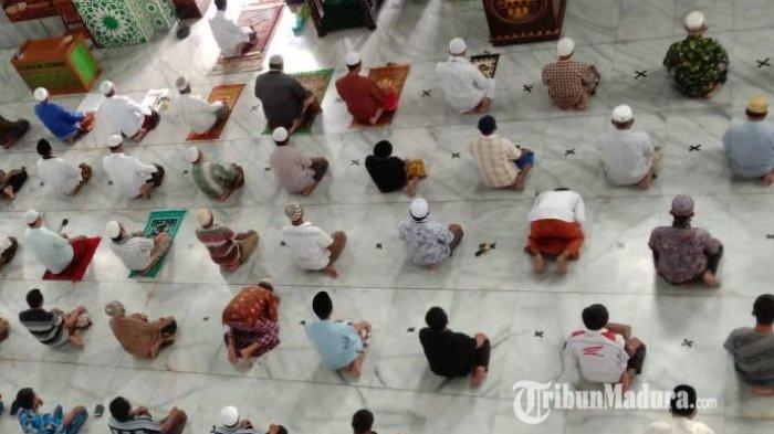 Masjid Agung Asy-Syuhada Pamekasan Gelar Salat Tarawih saat Ramadan 2021, Jamaah Wajib Patuhi Prokes