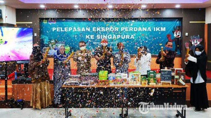 Dobrak Pasar Global, Bea Cukai Madura Ekspor Perdana 6 Produk Unggulan IKM Pamekasan ke Singapura