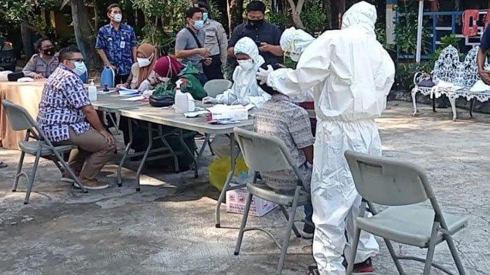 Tim Gabungan Perluas Lokasi Penyekatan dan Swab Test Antigen Pengendara di Kabupaten Sampang Madura