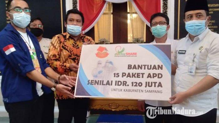 Bantu Pencegahan Covid-19, Rumah Kreasi Indonesia Hebat Serahkan APD Lengkap kepada Pemkab Sampang