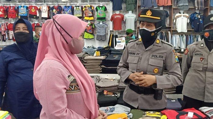 Patroli ke Sejumlah Toko, Petugas Gabungan di Pamekasan Tindak Masyarakat yang Tak Patuh Prokes