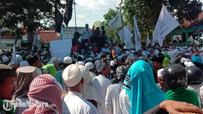 Ulama Madura Unjuk Rasa Putri Soekarno, Sukmawati yang Dianggap Menista, DPRD Pamekasan Mendukung