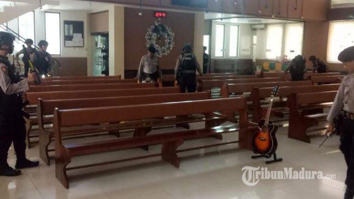 TNI Polri Sisir 6 Gereja dan Warkop di Pamekasan Menjelang Perayaan Natal dan Tahun Baru 2020