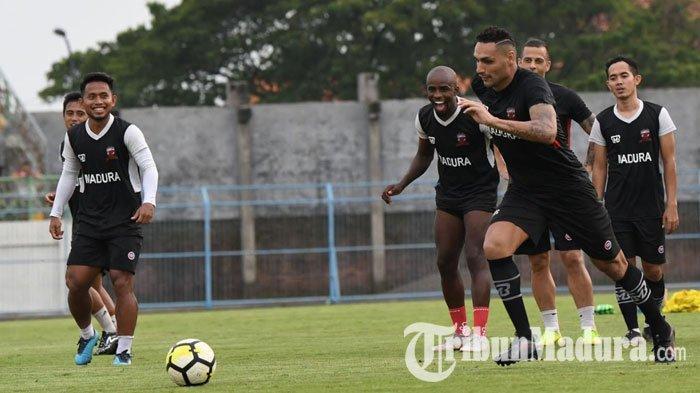 Serius saat Uji Coba Hadapi Timnas U-22, Madura United Harus Adaptasi saat Lawan Sriwijaya FC Nanti