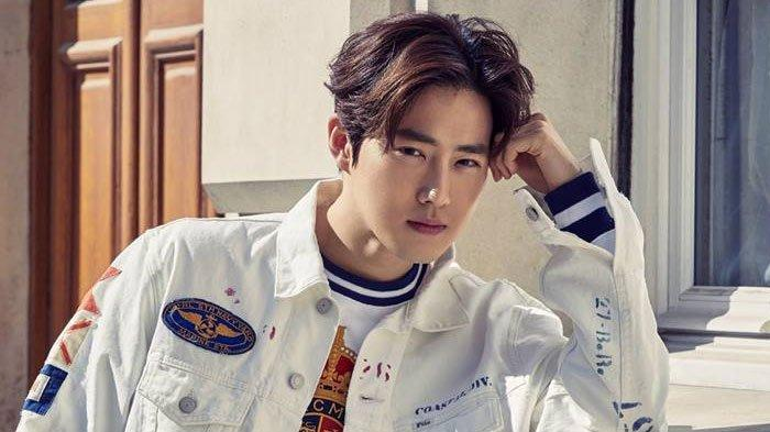 Pamer Tato di Punggung, Suho EXO Bikin Penggemar Histeris pada KonserEXO Planet #5 - EXplOration