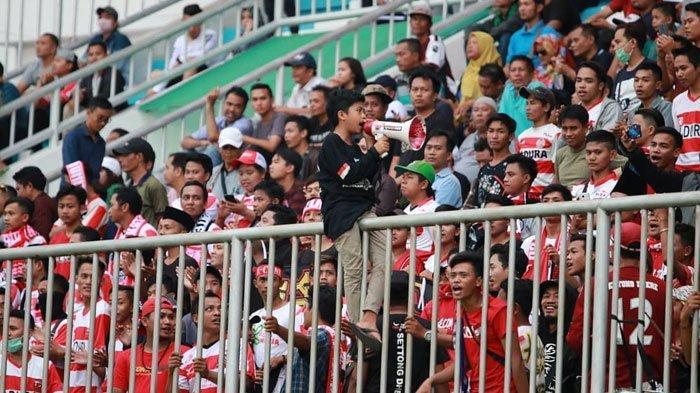 Puluhan K-cong J-bing Sumenep Siap Kawal LagaPersela Lamongan VsMadura United diStadion Surajaya