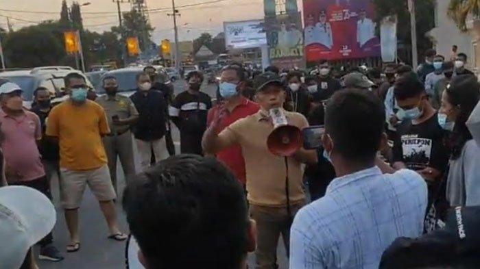 Suporter Nekat Datang ke Stadion, Laga Persahabatan Persepon Ponorogo Vs Persepa Pacitan Dibatalkan