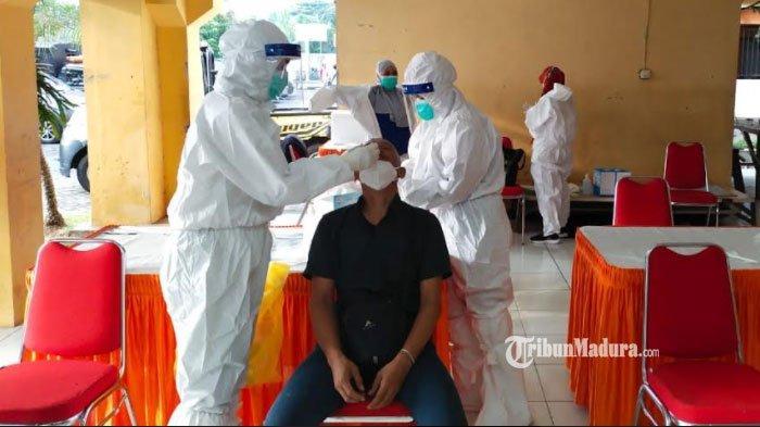 Penambahan Kasus Covid-19 dan Ketersediaan Tenaga Dokter Diibaratkan seperti Membersihkan Atap Bocor